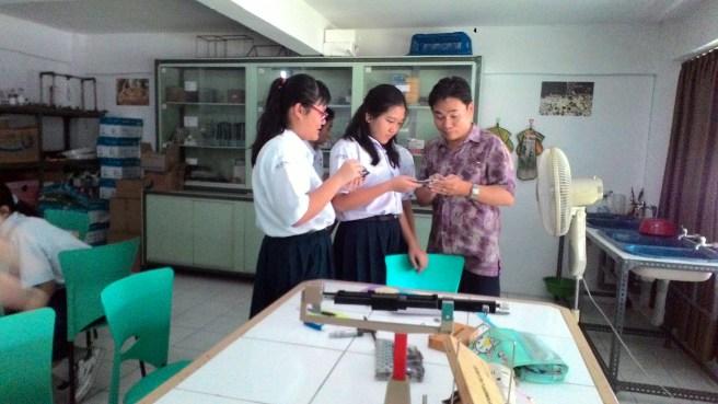 Praktikum Fisika Kelas 7A