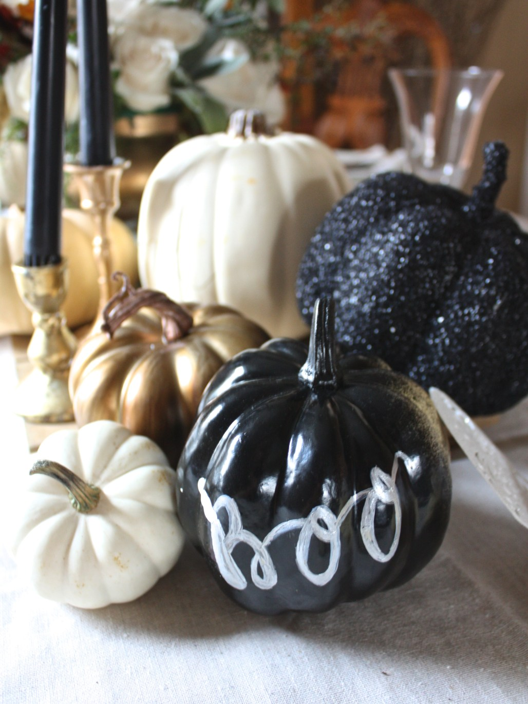 Simple Black Halloween Details & Place Setting 101 : Casual Table | Dreamery Events