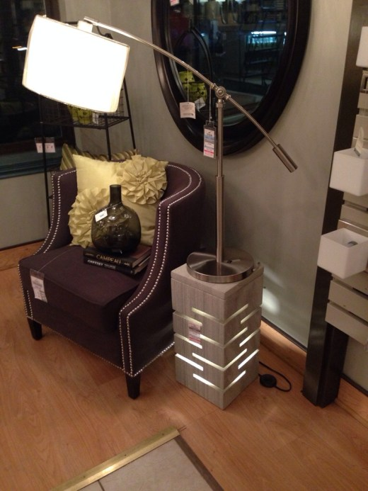 Osso City Lighting pedestal light and lamp