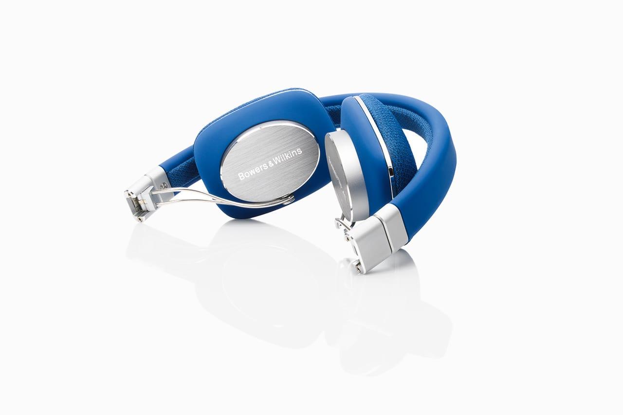 Bowers & Wilkins P3 Headphones in Blue