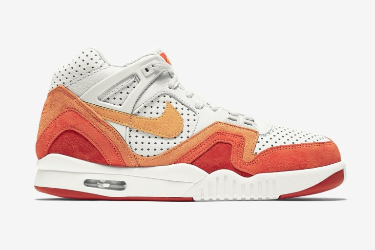 The Nike Air Tech Challenge II Gets Two Quickstrike Releases Ahead of the Australian Open