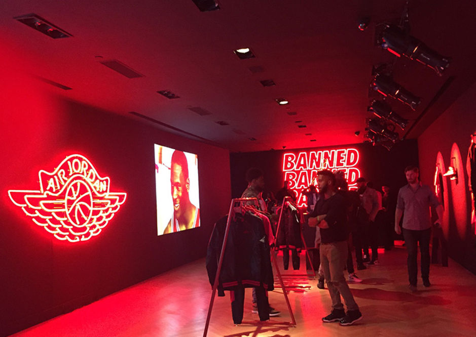 """LOOK AT THE JORDAN """"BANNED"""" POP-UP IN NYC"""