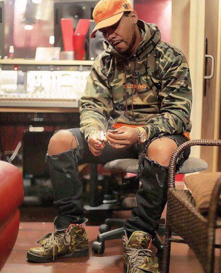 Juelz Santana – Up In The Studio Gettin Blown Freestyle
