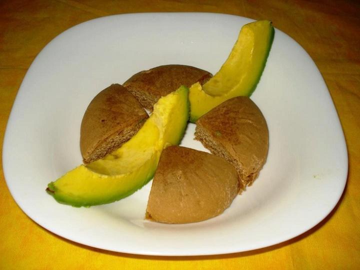 bulla-and-pear