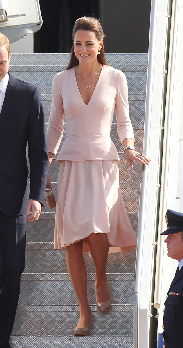 A McQueen Clad Kate Arrives In Adelaide Australia On 423
