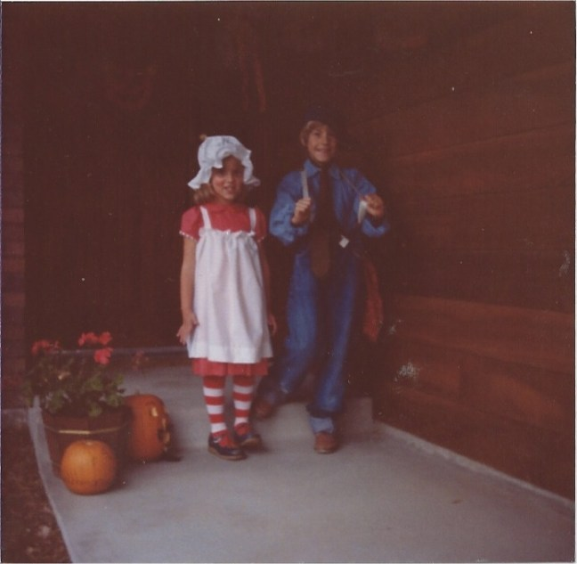 Happy 70's Halloween - TheDustyParachute.com