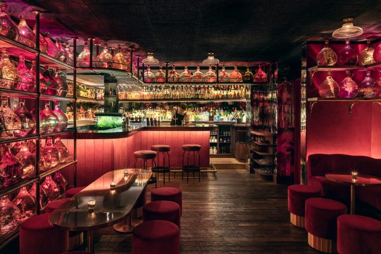 Speakeasies: The top ten hidden bars in Paris - The Earful Tower
