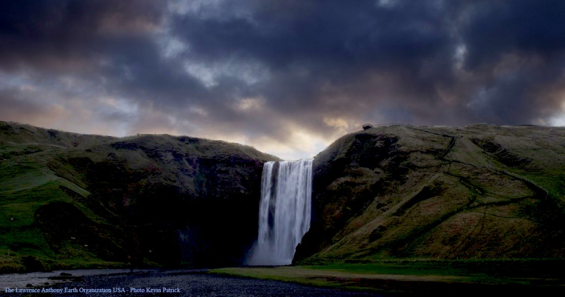 image2-Iceland-Waterfall
