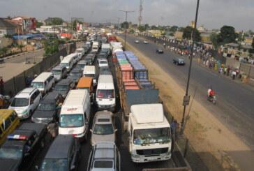 Traffic gridlock on Lagos-Ibadan expressway