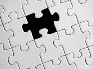 Puzzle with missing piece, Choose the right toy, www.theeducationaltourist.com