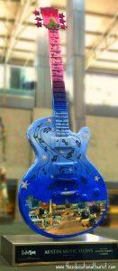 Artistic guitar Austin airport, Austin Visit, www.theeducationaltouristi.com