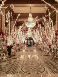 Roosevelt hotel lobby christmas decoration