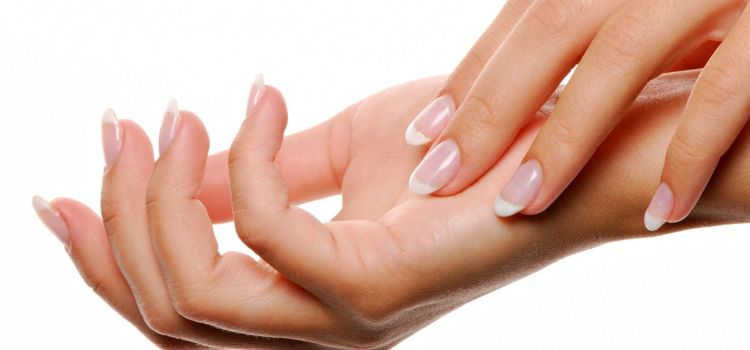 Parliamone | Salute a rischio con la ricostruzione in gel delle unghie?