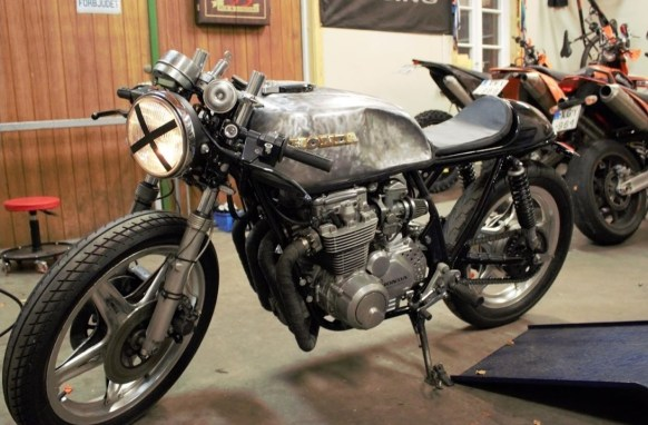 Tanks for cafe racer