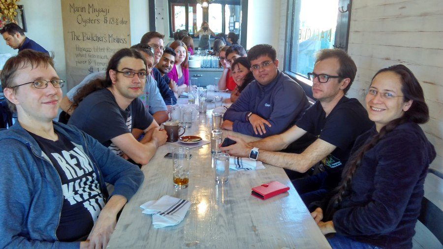lunch-group-pic