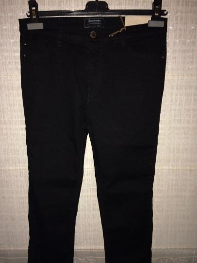 Skinny black jeans