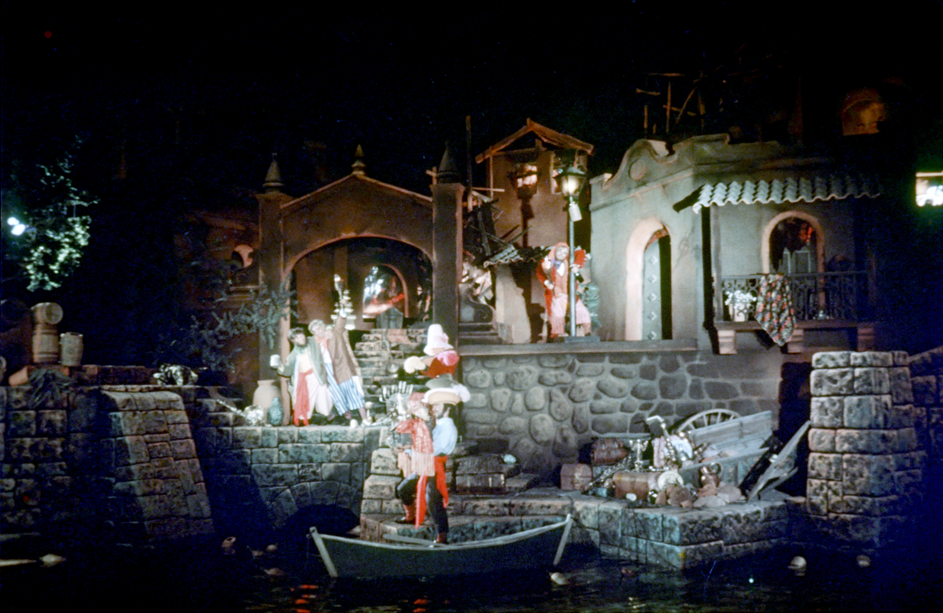 Pirates Of The Caribbean The Enchanted Manor