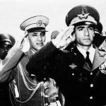1953_Iranian_coup_détat_-_Mohammad_Reza_Pahlavi_in_Tehran_Airport-700×394