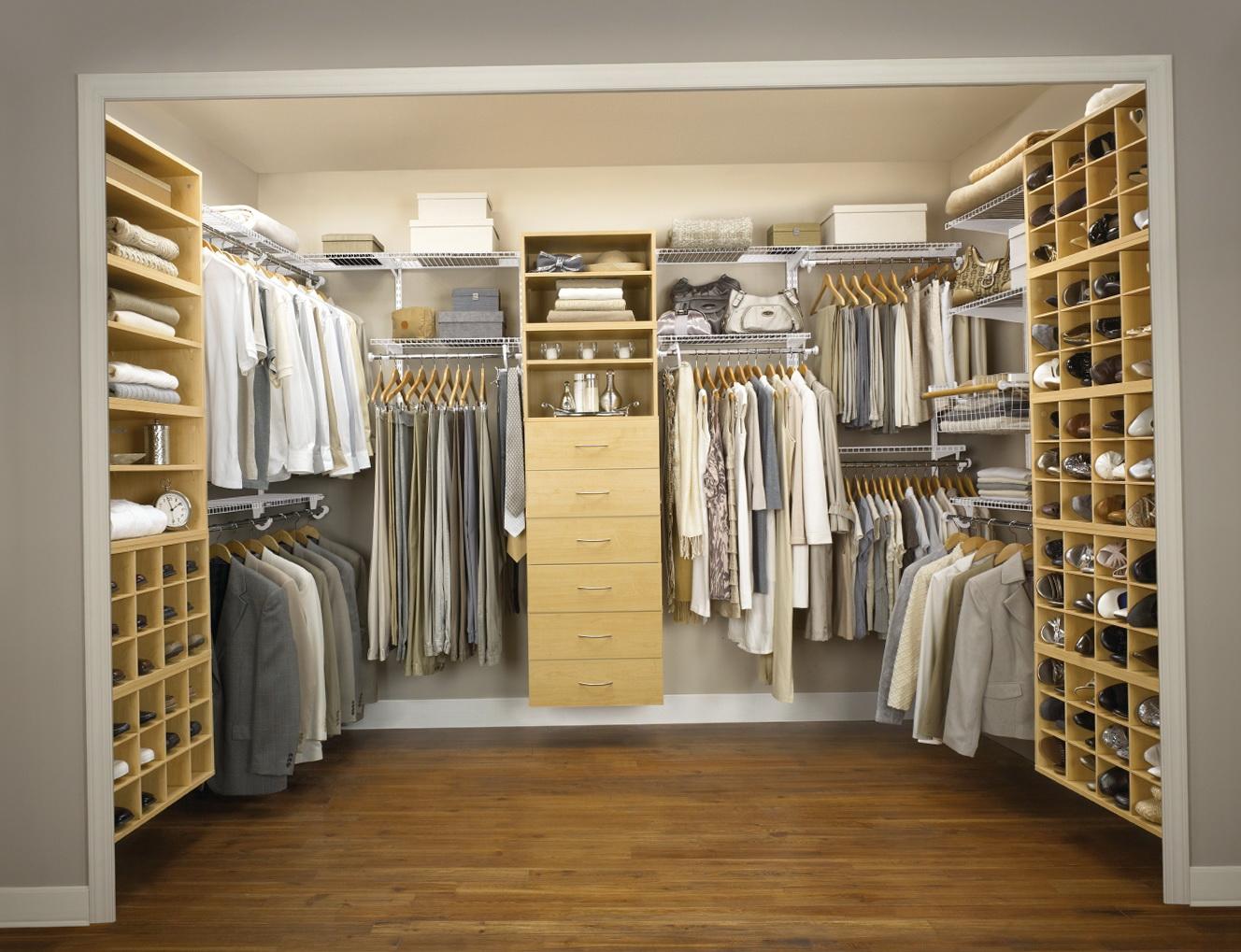 Walk In Closet Ideas For Small Room