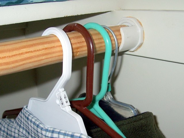 Adjustable Closet Rod Support