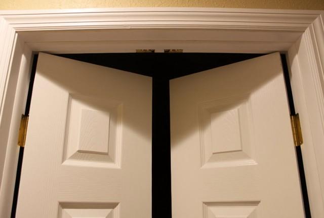 Double Closet Doors Ball Catch