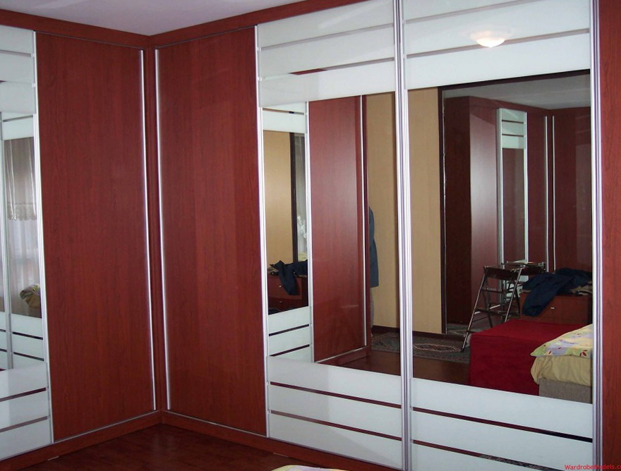 Small Closet Design With Mirror