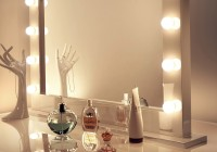 Makeup Mirrors With Lights Around Them