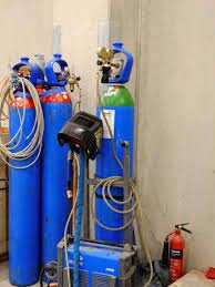 Bailout Gas for underwater welding