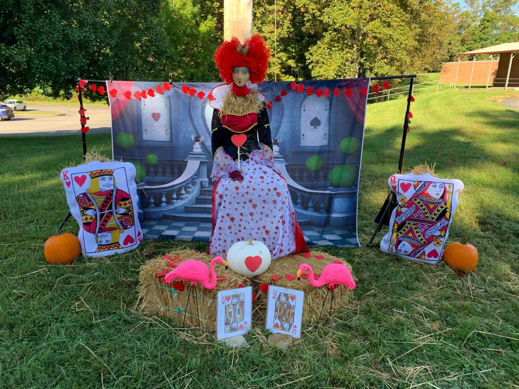 October contest lures scarecrows this fall
