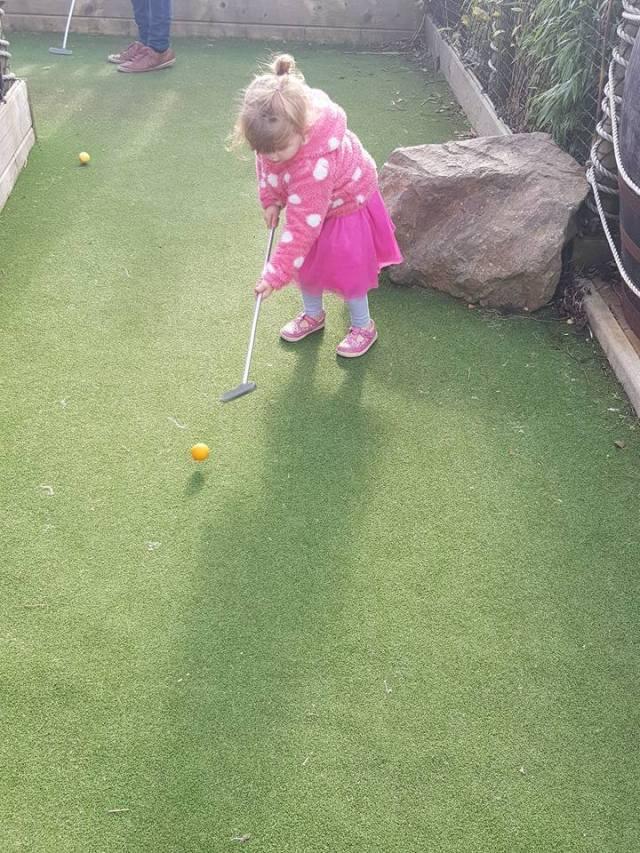 9 hole golf