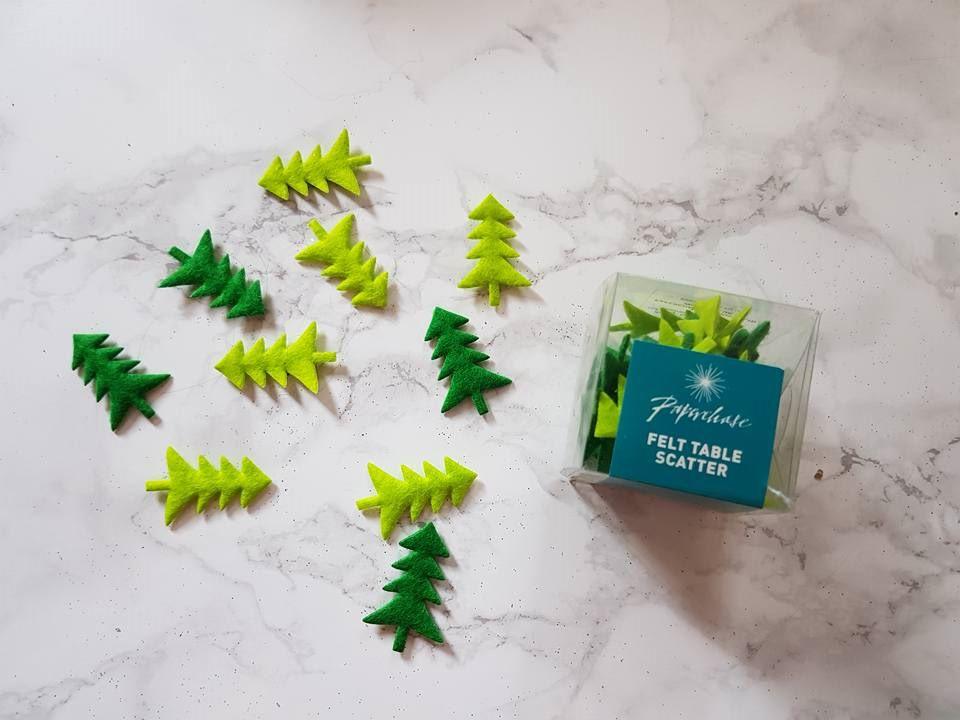 Light and dark green christmas tree confetti
