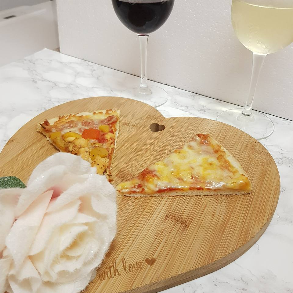 Pizza and wine from heritage