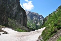 Glacier enroute the valley trek