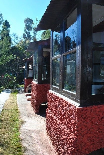 Covered sit-outs in each room provided beautiful view of Himalayas