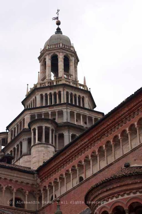 dentro e dietro la Certosa