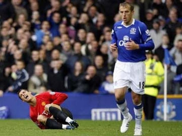 AP-DO-NOT-USE-image-3-for-everton-fc-2008-09-the-story-of-the-season-in-pictures-gallery-233716100