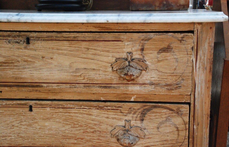 flea antique chest