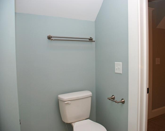 grout apt b toilet