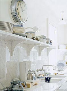 open shelves kitchen10