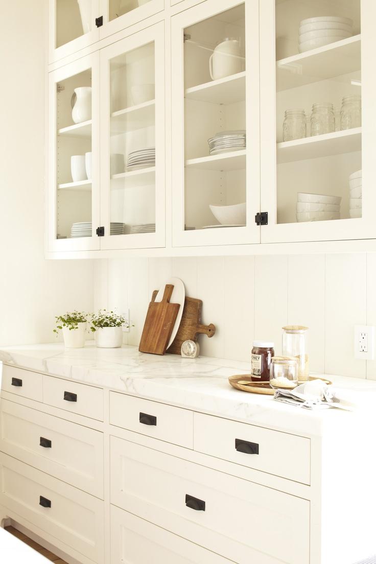 white kitchen breadboard2