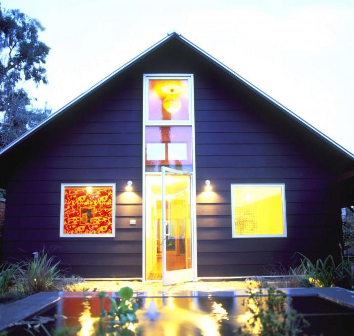 Barbara Bestors home in Silverlake black houses by the estate of things