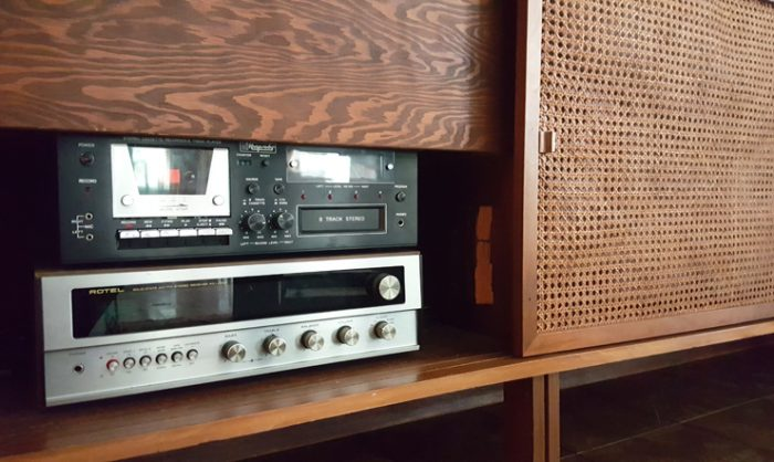 hayes stereo