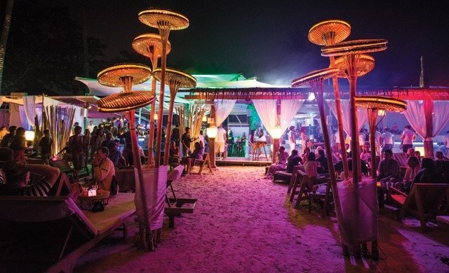 6 Reasons Why You Should Travel to Koh Samui : The Beach Clubs