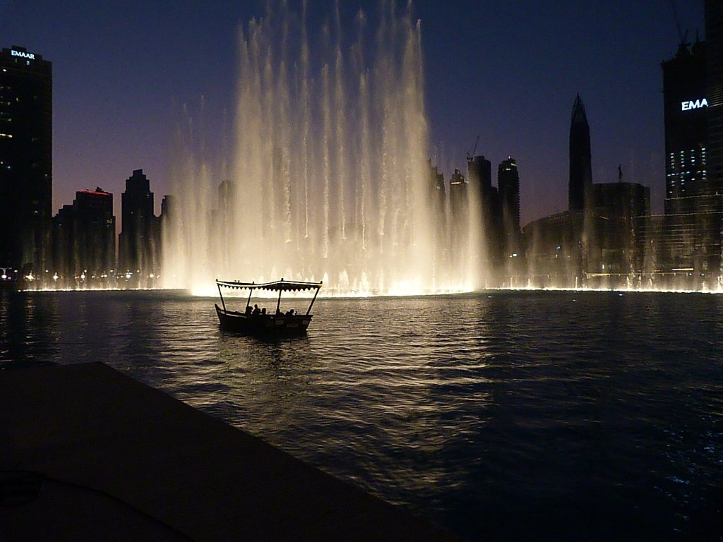 Dubai Fountains - 6 hour Layover in Dubai