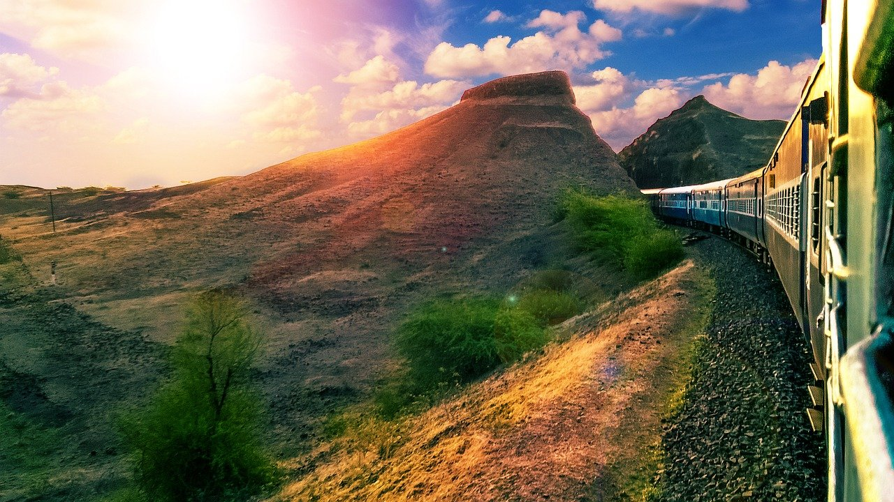 Travel Bucket List – Most Scenic Indian Train Journeys