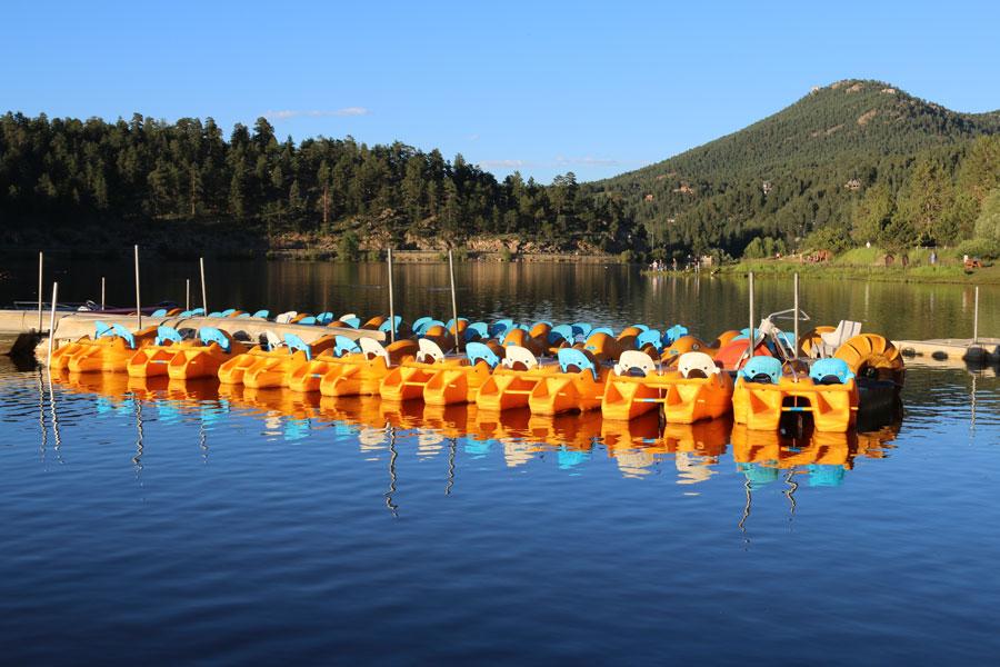 evergreen-lake-boating