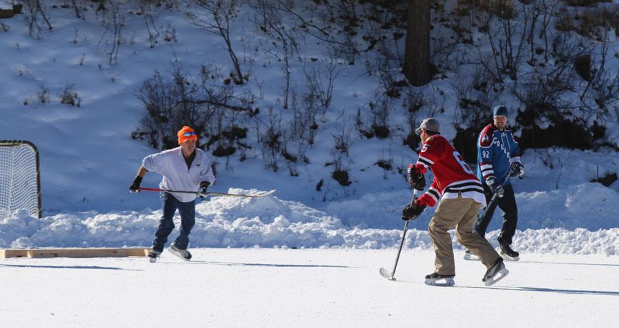 evergreen-lake-hockey