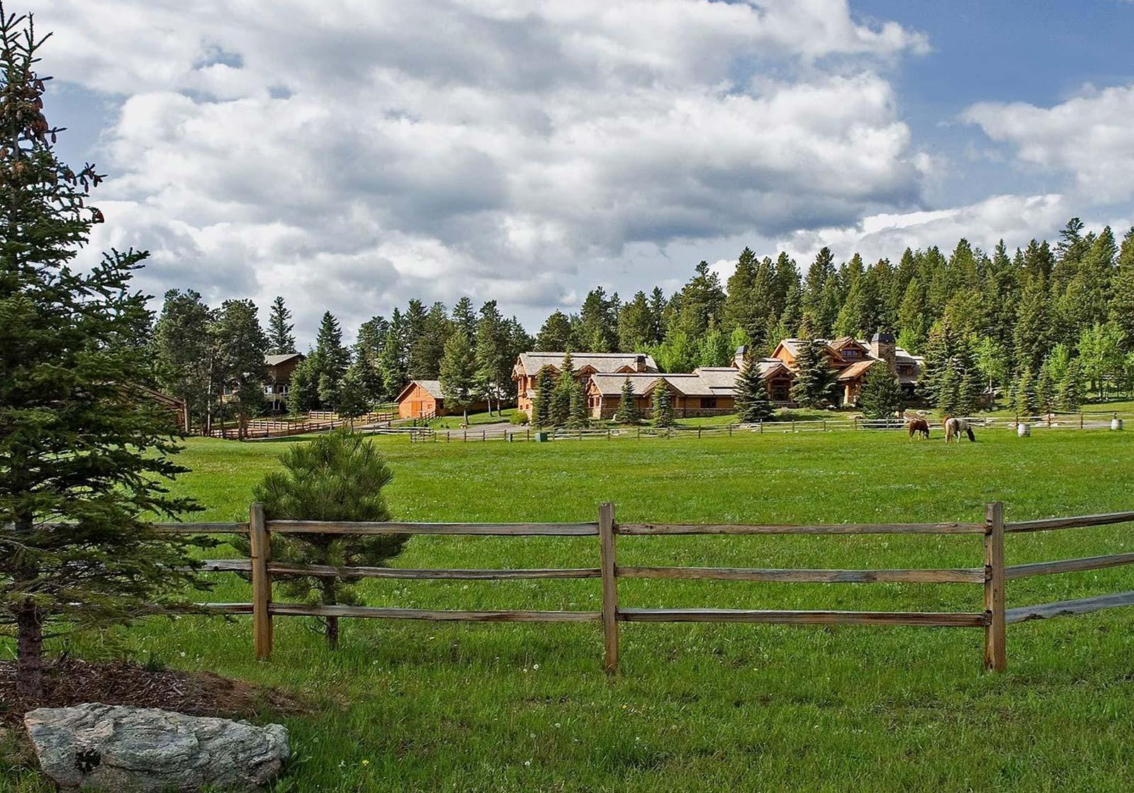 Soda Creek Horse Properties For Sale