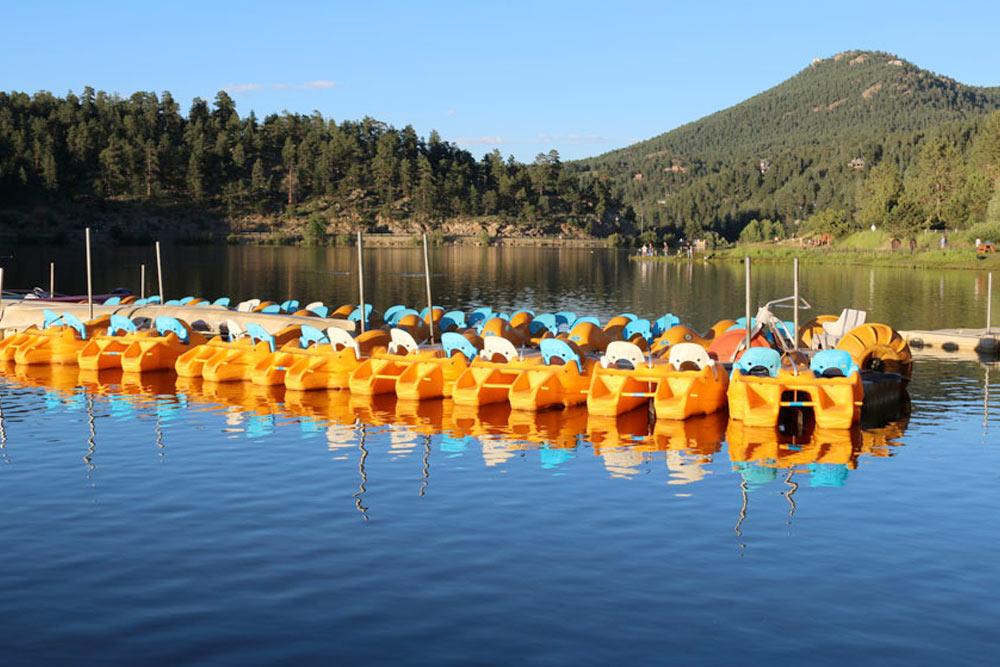 Boating at Evergreen Lake