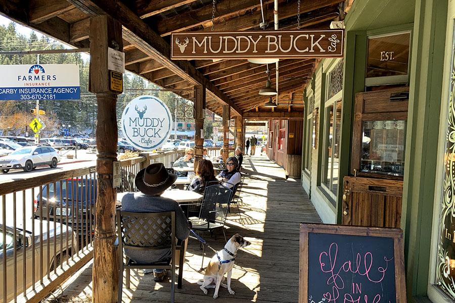 muddy buck cafe patio dining